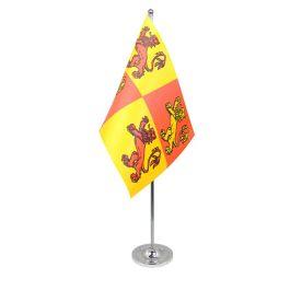 Owain Glyndwr table flag satin